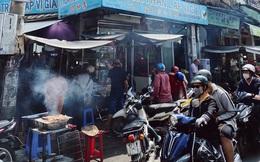 """Sài Gòn 30 Tết mua sắm gì chỉ cần đi vội 2 ngôi chợ lâu đời này là đủ: Độc lạ nhất là """"bánh lựu cầu duyên"""", mua về hết ế luôn và ngay!"""