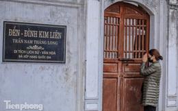 Di tích, đình chùa đóng cửa vì COVID-19, người dân Hà Nội vái vọng từ xa