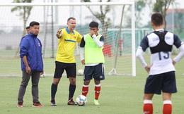 Vingroup bất ngờ rút khỏi mảng bóng đá, chuyển giao toàn bộ cơ sở vật chất cho Văn Lang