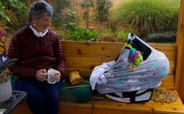 Cụ bà 90 tuổi đi bộ gần 10km dưới trời tuyết để được tiêm vắc-xin ngừa COVID-19