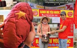 """Thất nghiệp vì dịch Covid-19, các đầu bếp vẫn tạo ra những ổ """"bánh mì yêu nước"""" miễn phí cho người nghèo ở Đà Nẵng"""