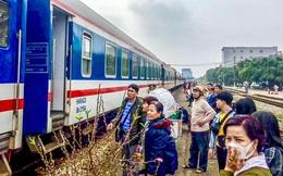 Lo dịch bệnh, khách ồ ạt trả vé tàu, đường sắt hết tiền trả lại