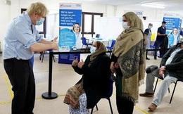 Nguy cơ biến thể ở Anh kháng vắc-xin