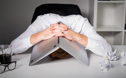 """VN-Index hồi phục mạnh sau phiên giảm 73 điểm lịch sử, những nhà đầu tư bán và """"bị bán"""" có tiếc nuối?"""