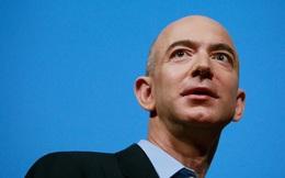 """Chỉ nhờ tìm ra một số liệu, bộ não tài năng của """"nhân viên phố Wall"""" Jeff Bezos đã """"nảy số"""" về một Amazon tương lai, biến ông thành tỷ phú giàu nhất thế giới"""