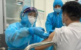 Sau tiêm vắc-xin Covid-19, nhiều người phản ứng thường, 2 người có phản vệ độ 2