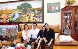 Làm việc không để trống thời gian nghỉ, nhà văn 9X Hà Nội mua Mercedes-Benz trả thẳng một lần sau khi mua 2 căn nhà và xe hơi tặng bố