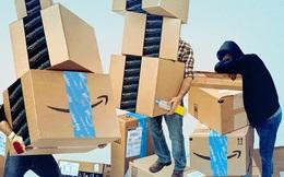 Góc tối đằng sau gã khổng lồ nghìn tỷ USD Amazon: Shipper làm việc 14 giờ mỗi ngày, phải đi tiểu vào chai vì sợ giao hàng muộn, kiếm 15 USD/giờ