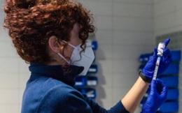Châu Âu nối lại việc tiêm vaccine Covid-19 của AstraZeneca