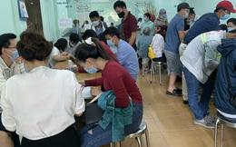 """Một ngày """"vật lộn"""" ở phòng công chứng huyện Nhơn Trạch vì hồ sơ đất đai tăng đột biến"""