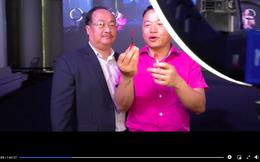 Shark Bình mặc áo hồng đánh son cam livestream bán son môi