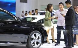 Thị trường ảm đạm, ô tô đua nhau giảm giá