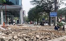 Hà Nội: Tự ý 'băm nát' cả nghìn mét vỉa hè