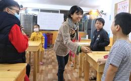"""5 bạn trẻ Đà Nẵng mở lớp tiếng Anh với học phí """"sốc"""": Chỉ 1.000 đồng/buổi, giờ giải lao còn được ăn bánh uống sữa miễn phí"""