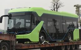 Lộ ảnh xe bus điện VinFast được vận chuyển về Hà Nội