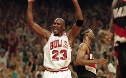 """Michael Jordan, từ một cậu bé bị chê thấp bé ở đội bóng trường trung học cho tới huyền thoại bóng rổ Mỹ: """"Dù cuộc sống khiến tôi gục ngã 100 lần, tôi vẫn sẽ đứng lên ở lần thứ 101"""""""