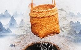 """Bị yêu cầu khó """"Dùng giỏ thưa múc nước"""", người đàn ông trả lời sâu cay bằng bài học: Mạnh thì dùng sức, yếu thì ta dùng mưu!"""