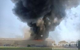 Cháy lớn tại công ty Tôn Hoa Sen ở Bình Dương