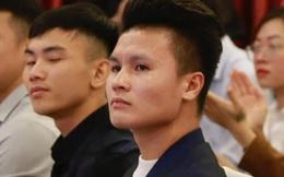 Quang Hải bảnh bao dự lễ khai giảng tại Đại học Quốc gia Hà Nội, sắp thành cử nhân ngành Quản trị Kinh doanh