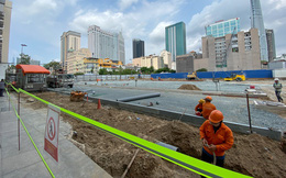 """Một phần rào chắn Metro tại """"đất vàng"""" trung tâm Sài Gòn được tháo dỡ, quán xá rục rịch khai trương trở lại"""