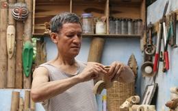 """Về hưu sau thời gian làm thiết kế tại Đài truyền hình Việt Nam, người họa sĩ già """"hô biến"""" tre thành món quà tặng trẻ thơ"""