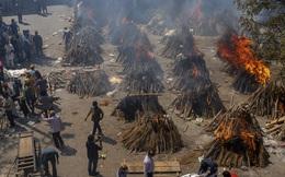 Chết khổ, sống càng khổ: Mùi đốt xác ám vào da thịt - Dân Ấn Độ sợ lây COVID, không dám cả bật quạt