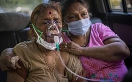 """Covid-19: Người dân Ấn Độ gom """"thần dược"""" khiến bệnh viện lao đao"""
