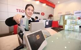 Techcombank báo lãi lớn, thu nhập nhân viên tăng vọt lên 42 triệu đồng/tháng