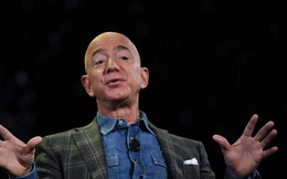 Tài sản của Jeff Bezos lại vượt 200 tỷ USD