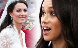 """Trong khi chị dâu Kate được khen ngợi sau 10 năm làm dâu, Meghan Markle """"muối mặt"""" vì bị bóc trần lý do không được dùng trang sức hoàng gia"""