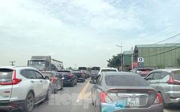 Ngày đầu nghỉ lễ 30/4-1/5: Ùn tắc từ sân bay tới đường bộ do lưu lượng tăng đột biến