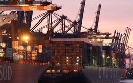 Sau kênh Suez, đến lượt các cảng cửa ngõ châu Âu tắc nghẽn