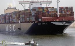 Kênh đào Suez lại ùn tắc vì một tàu chở dầu khổng lồ nặng 62.000 tấn bị... chết máy