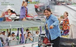 """Về chợ nổi Cái Răng ăn bún """"di động"""" trên sông, vừa được karaoke khuyến mãi: """"Hát hay hơn chủ là khỏi trả tiền"""""""