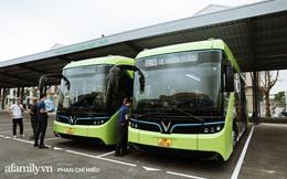 """Review siêu chân thật tuyến xe buýt điện đầu tiên tại Hà Nội: Nguồn năng lượng vô tận từ mặt trời, """"CỨU RỖI"""" nỗi sợ ám ảnh mùi cùng đủ thứ trang bị cực hiện đại!"""