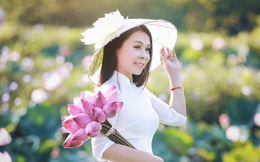 Mê mẩn hương hoa, mẹ đảm Hà Nội kỳ công đặt mua loài sen Đế Vương tận xứ Huế và tiết lộ bí kíp chơi hoa bền đẹp