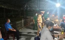 Cận cảnh 12 chốt kiểm dịch tại các cửa ngõ TPHCM ngày đầu hoạt động