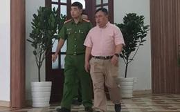 """Vụ khởi tố nguyên giám đốc Bệnh viện Mắt TP HCM: """"Móc túi"""" gần chục tỉ đồng của người bệnh"""