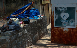 """Toàn cảnh 1 tuần thảm họa khi """"đại hồng thủy"""" Covid-19 nhấn chìm Ấn Độ: Tang thương chồng chất, uất nghẹn nhìn người thân tử vong, hít thở cũng trở nên xa xỉ"""