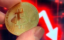 Bitcoin tiếp tục bị bán tháo