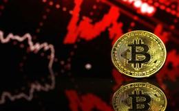 """Vì sao Bitcoin liên tục khiến nhà đầu tư """"thót tim"""" vào mỗi cuối tuần?"""
