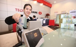 """""""Sướng"""" như nhân viên Techcombank: Đầu năm được tăng lương, giữa năm được mua cổ phiếu giá siêu rẻ"""