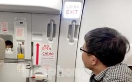 Tự ý mở cửa máy bay chuẩn bị cất cánh, khách bị cấm bay 9 tháng