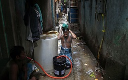 """Khu ổ chuột: """"Bom hẹn giờ"""" có thể bùng nổ thành ổ dịch vào bất cứ lúc nào ở Ấn Độ"""