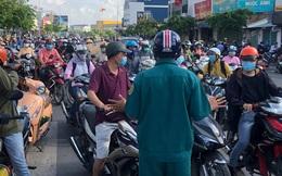 TP.HCM: Ùn tắc tại các chốt chặn ở Gò Vấp sáng 31/5 do người dân loay hoay không biết nên vào hay ra
