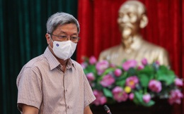 """Thử nghiệm thiết bị thông khí trong đồ bảo hộ cho nhân viên y tế giữa tiết trời """"đổ lửa"""" tại Bắc Giang"""