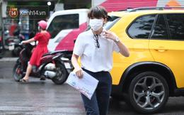 """Rich kid Hà Nội được """"hộ tống"""" trên xe bạc tỷ đi thi vào lớp 10"""