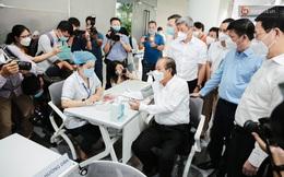 Cận cảnh 500 nhân viên khởi đầu cho chiến dịch tiêm chủng vaccine Covid-19 lớn nhất lịch sử tại TP.HCM