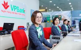 Gần 2 tháng sau khi họp Đại hội cổ đông thống nhất không chia cổ tức, ban lãnh đạo VPBank bất ngờ đổi ý