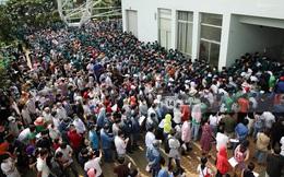 Ảnh, clip: Hơn 9.000 người tại TP HCM đến Nhà thi đấu Phú Thọ chờ tiêm vaccine Covid-19